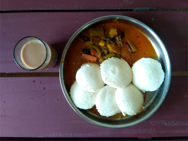 institutional-quarantine-food-idli-sambar